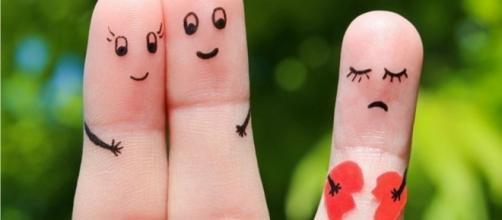 Todo primeiro contato que venha a existir entre duas pessoas, contém um certo nível de atração