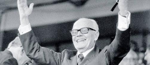 Pertini, il presidente che sapeva resistere (Marco Travaglio ... - wordpress.com