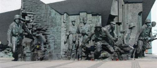 Warsaw Uprising Monument (Wikimedia)