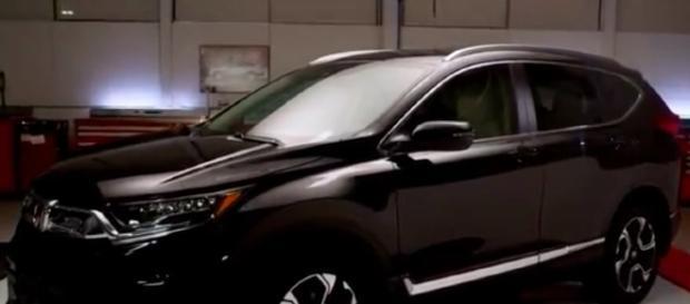 2018 HONDA CR-V Review CARS ARENA/Youtube