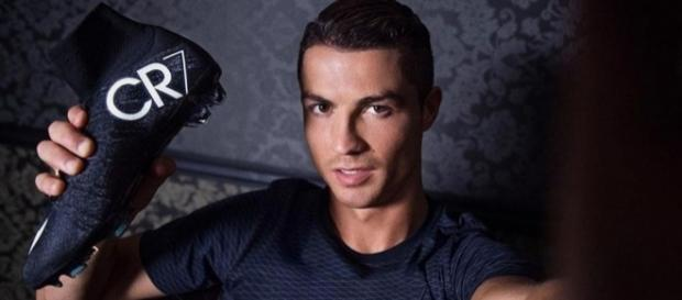Real Madrid: Les inestimables crampons de CR7!