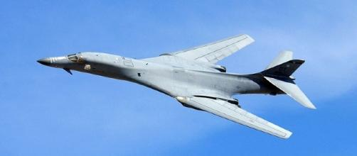 B-1 Bomber in flight (United States Air Force)