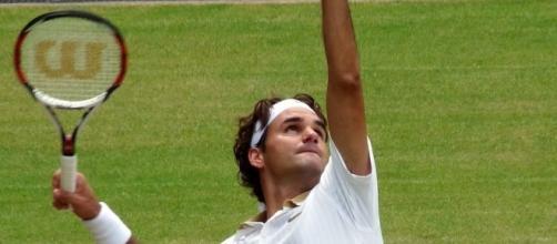 Federer on Wimbledon's grass, Wikimedia Commons https://commons.wikimedia.org/wiki/File:Roger_Federer_(26_June_2009,_Wimbledon)_2_(crop-2).jpg