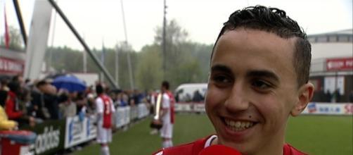 Il giovane calciatore Nouri,centrocampista dell'Ajax