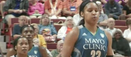 Maya Moore and the Lynx visit the struggling Chicago Sky on Saturday night. [Image via WNBA/YouTube]