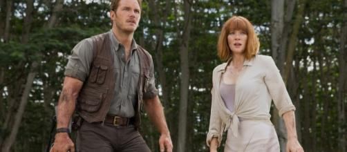 Owen and Claire are back in the 'Jurassic World' sequel. [Image via Movie Craft/Youtube Screenshot]