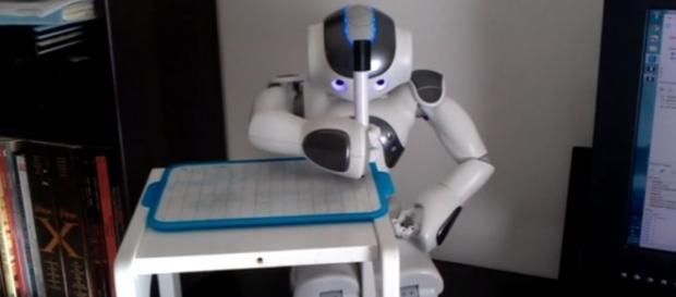 AI writers taking over humans? - YouTube/Franck Calzada