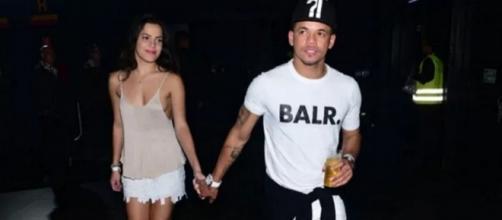 Emilly e um amigo considerado 'irmão' de Neymar. (Foto: Reprodução)