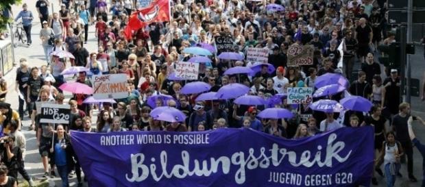 Durante los días de la cumbre del G-20, decenas de personas protestaron a las afueras del recinto.