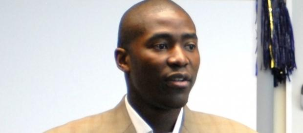 Jamal Crawford agreed to a 2-year, $8.9 million deal with Timberwolves – Mayor McGinn via WikiCommons