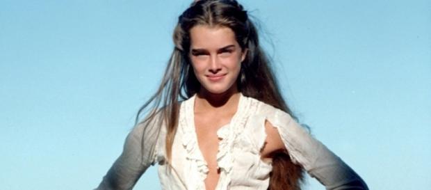 Veja a foto de Brooke Shields apenas de lingerie