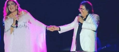 Al Bano Carrisi e Romina Power: i baci e il feeling nel tour.