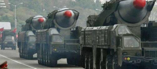 La Corea del Nord sfida Trump e lancia missile balistico, lui ... - today.it