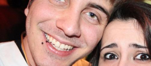 Lo studente di Farmacia Carlo Nuzzi, con la fidanzata, prima che scomparisse senza lasciare tracce