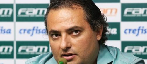 Mattos confirma saída de Felipe Melo