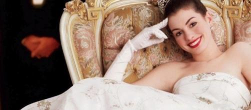 """""""Princess Diaries 3"""" is in the Works at Disney! / Entertainment Scoop / YouTube Screenshot"""