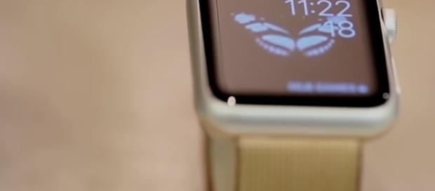 Apple Watch 3 is expected to boost profits. [Image via YouTub/CNET]