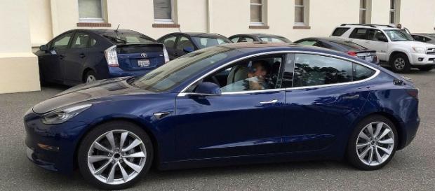 Tesla model 3 prototype - Image - Smnt | Wikimedia Commons