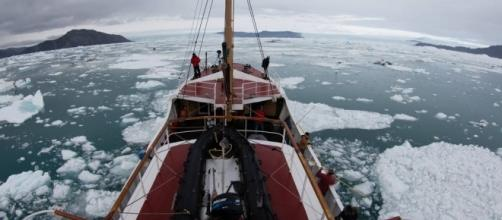 Artuic Fjords Carbon-Based - blogspot.com