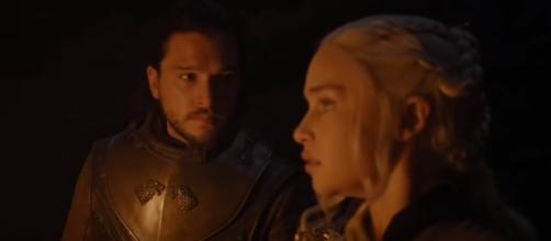 "Jon Snow and Daenerys at the Dragonglass cave in ""Game of Thrones"" Season 7 Episode 4. (Photo:YouTube/Ben Quincy-Shaw)"