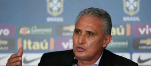 Técnico da seleção brasileira divulga lista com nomes dos convocados