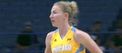 WNBA Eastern Conference player of the week Courtney Vandersloot and the Sky host the Stars on Thursday night. [Image via WNBA/YouTube]