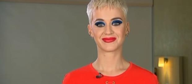 "Katy Perry ""I'm Evolving"" Australian Tv Interview June 30, 2017 James DeWeaver | YouTube"