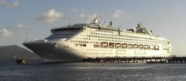 Passengers on the Sea Princess endured 10-day blackouts and piracy drills [Image: Wikimedia by Greudin/Public Domain]