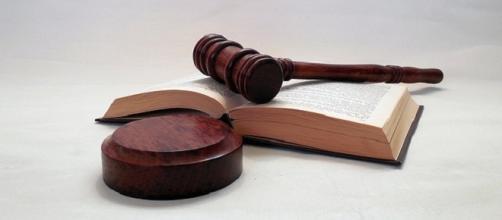 Court Hammer credits:pixabay https://pixabay.com/en/hammer-court-judge-justice-law-1281735/