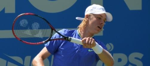 Denis Shapovalov at the 2016 Aegon Championships in Queens. Photo by Carine, Flickr -- CC BY-SA 2.0