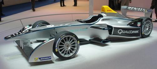 Formula E race car - Smokeonthewater via Wikimedia Commons