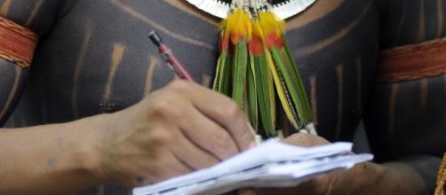 Lideranças indígenas denunciam violações de seus direitos (Foto: Mário Vilela/Funai)