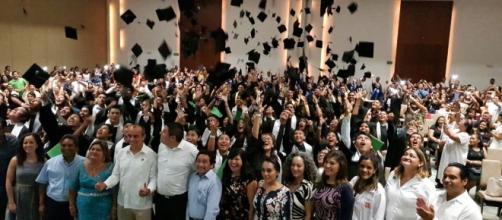 Meta cumplida, la graduación fue un éxito.