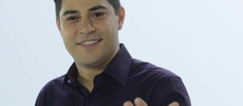 Nada de Record ou SBT, o novo projeto de Evaristo Costa é com o YouTube