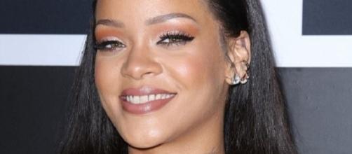 Rihanna está novamente apaixonada (Foto: Shutterstock)