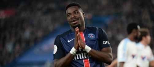 Serge Aurier quitte le PSG. (image via africatopsports.com)