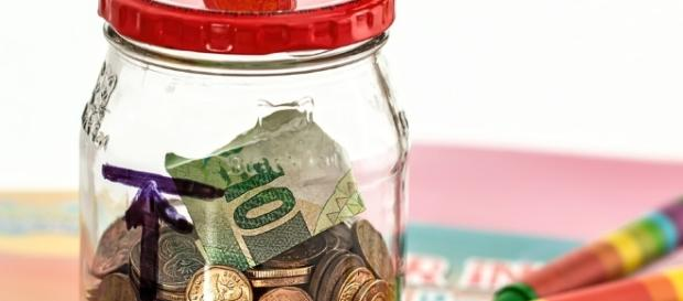 Use your money intelligently. - pixabay.com