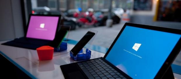 Microsoft Surface Laptops | ambbase | Flickr