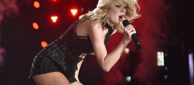 Taylor Swift remains strong during trial Youtube screengrab