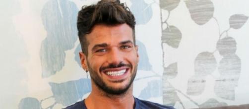 Gossip Uomini e Donne: Claudio Sona e Juan Fran Sierra sulla stessa isola, solo una coincidenza?