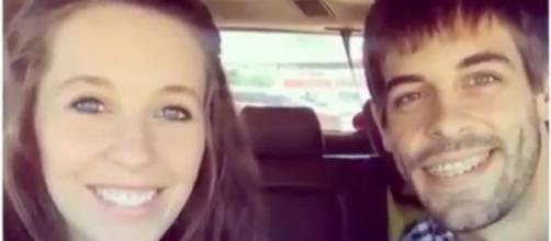 Jill Duggar and Derick Dillard--Image via YouTube/TheFame
