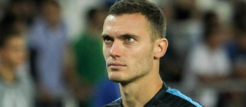 Thomas Vermaelen is linked with a move to Premier League club, West Bromwich Albion. [Image via Wikimedia Commons]