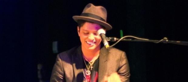 Bruno Mars / Photo via Brothers Le, Wikimedia Commons