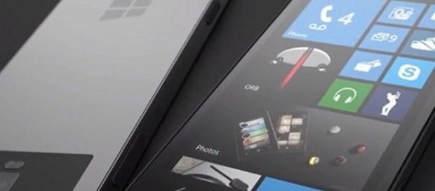Microsoft Surface Phone/ photo by @news4ccom via Twitter