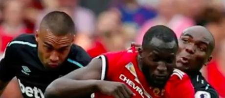 Romelu Lukaku vs West Ham via The real N / Youtube