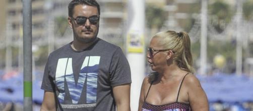 Belén Esteban y su novio Miguel de vacaciones.