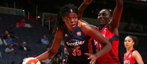 Jonquel Jones had one of two double-doubles by Sun players on Saturday night in Connecticut's fifth-straight win. [Image via WNBA/YouTube]