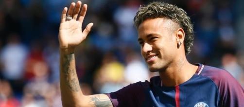 Neymar marque son premier but au PSG!