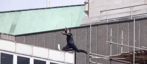 "Tom Cruise has an accident while performing a stunt for ""Mission: Impossible 6"" [Image: YouTube/Trending World]"