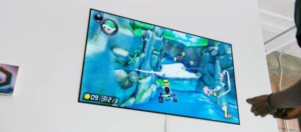 LG 4K OLED W on high-resolution gaming. [Image Credit: DetroitBORG/Youtube]